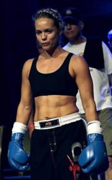 Angie Uredi – Coach